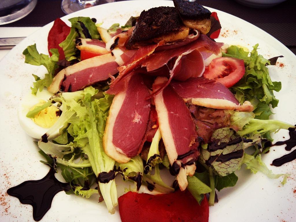 Salade Basquaise @ Comptoir De La Nive