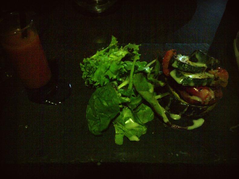 Méli-mélo de légumes confits et son smoothie tomates/basilic - @ Arena Café